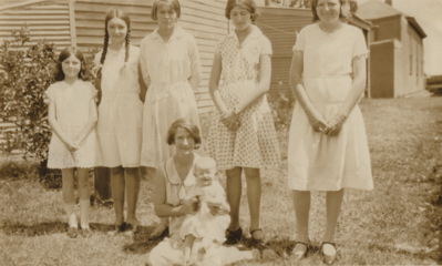 Young women in Carnarvon, cropped.png
