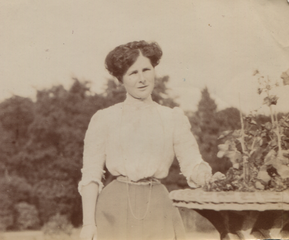 Marion Croskery, 1905 (cropped).png