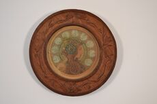 Round carved wooden frame 6.jpg