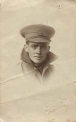Unknown soldier with collar turned up.png