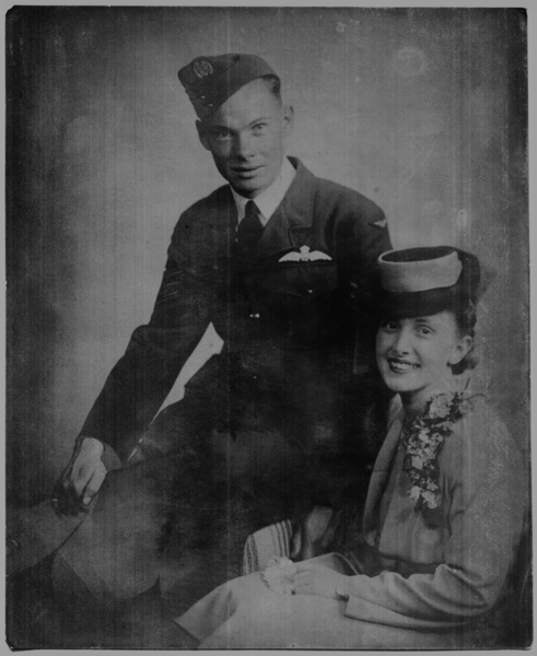 Murray and Margaret Wilson, restored.png