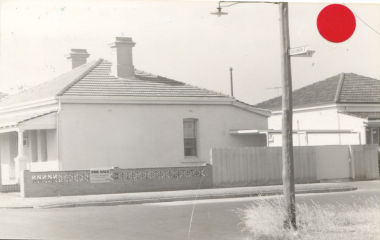 FSPS Solomon Street, no. 110, side view from Samson Street, corner next to 2 Samson, 10-3-D 1978.png