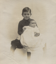 Geoffrey-and-nyria-1918 35929319862 o.png