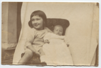 Constance with Margaret, Aug 29 1915.png