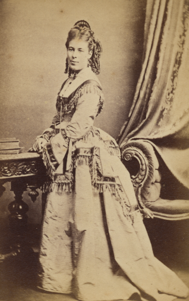 Alice Munday, c. 1870s, Melbourne (cropped).png