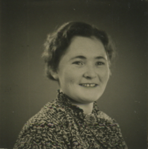 Nyria 1930s portrait photo.png