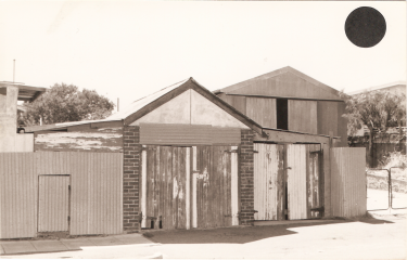FSPS Solomon Street, rear half of side of no. 85 South Street, 18-4-C 1979.png