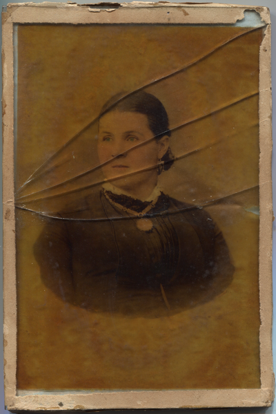 Glass photo of Nora Croskery.png